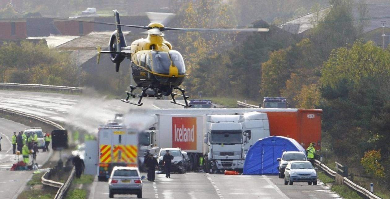 Βρετανία: Υπάρχουν ακόμη εγκλωβισμένοι στα αυτοκίνητα