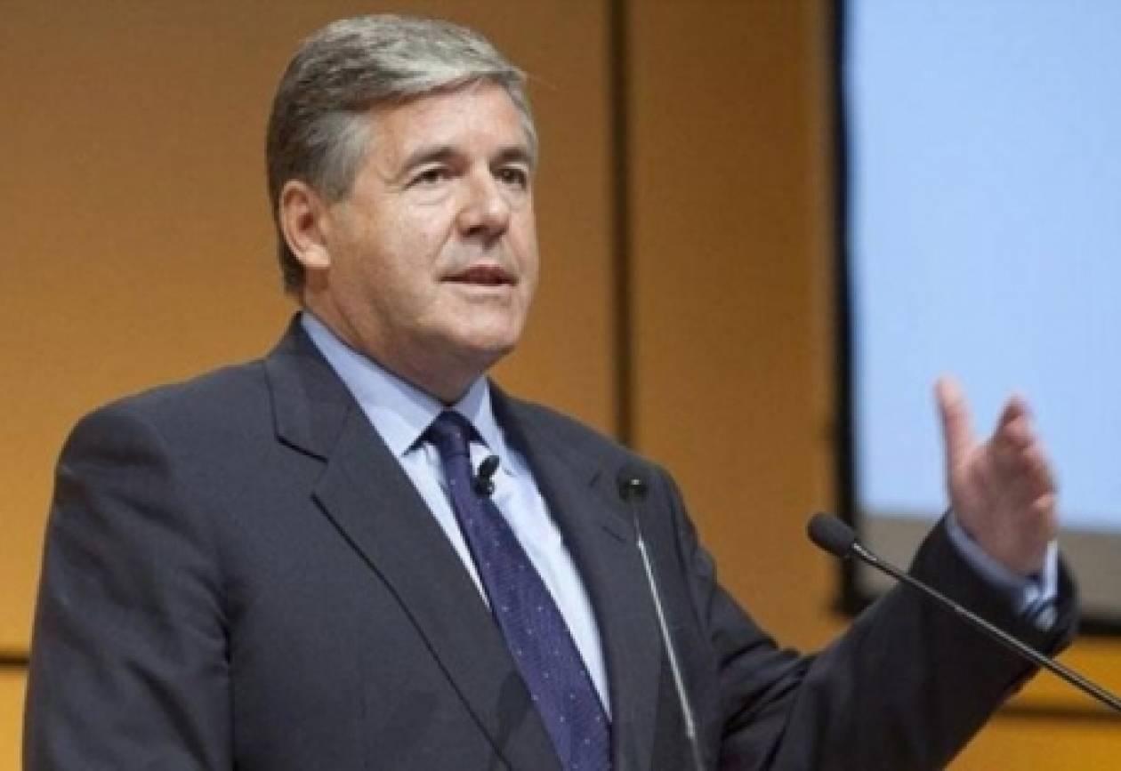 Άκερμαν: Η Ελλάδα πρέπει να μείνει στην ευρωζώνη