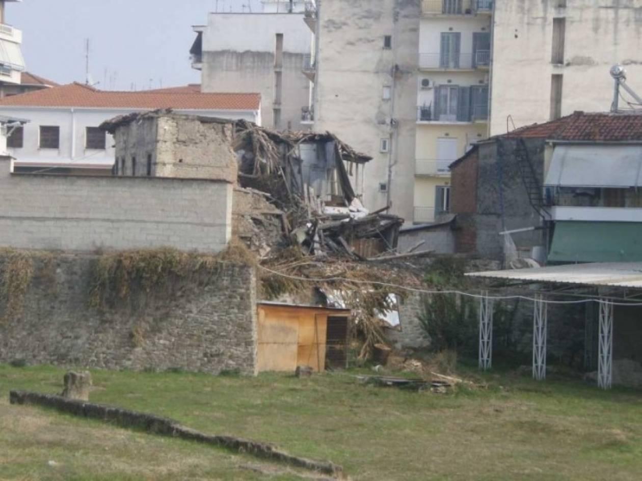 Κατέρρευσε μονοκατοικία στα Τρίκαλα