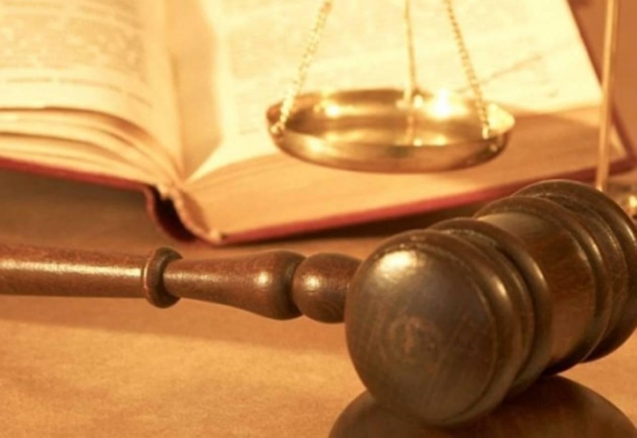 Σε πρότυπη δίκη ο συμψηφισμός χρεών Δημοσίου-ιδιωτών