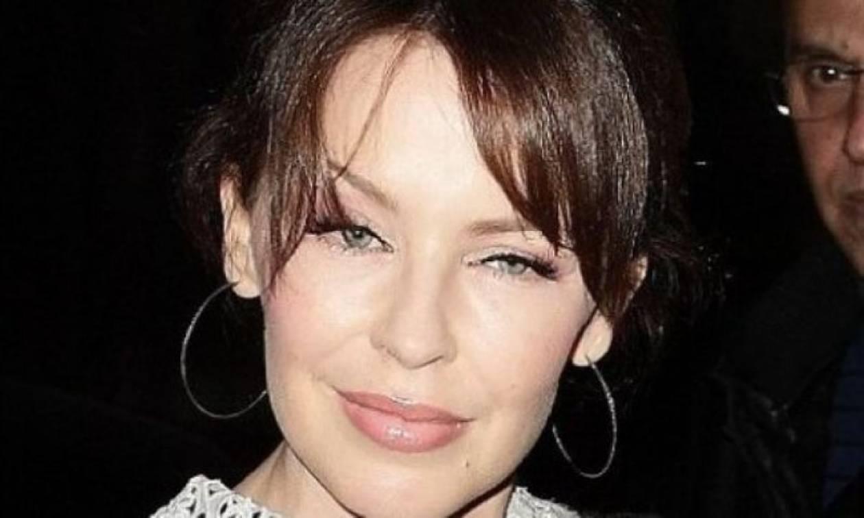 Καμία έκφραση για την Kylie Minoque από το botox
