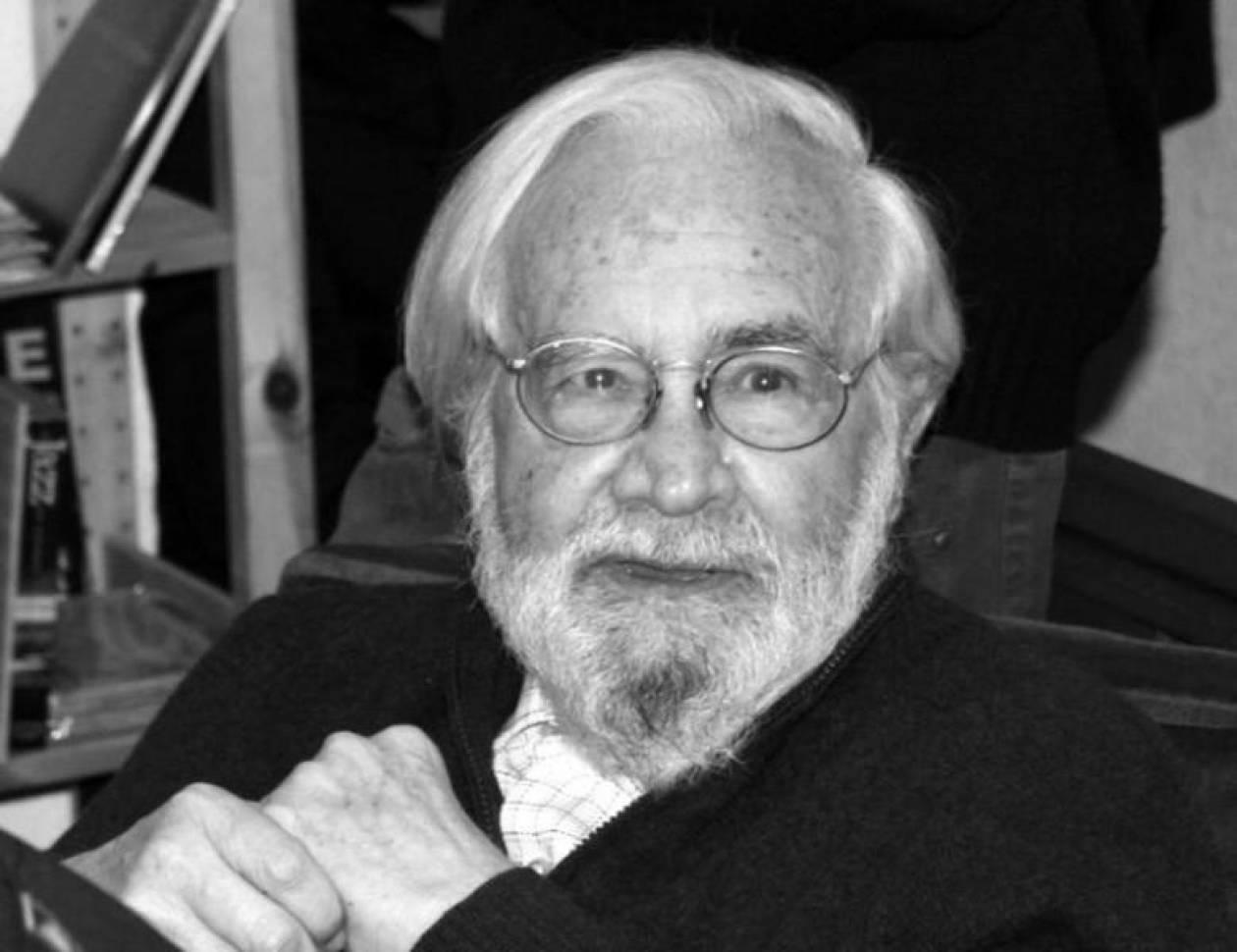 «Έφυγε» ο Ισπανός ποιητής Τομάς Σεγκόβια