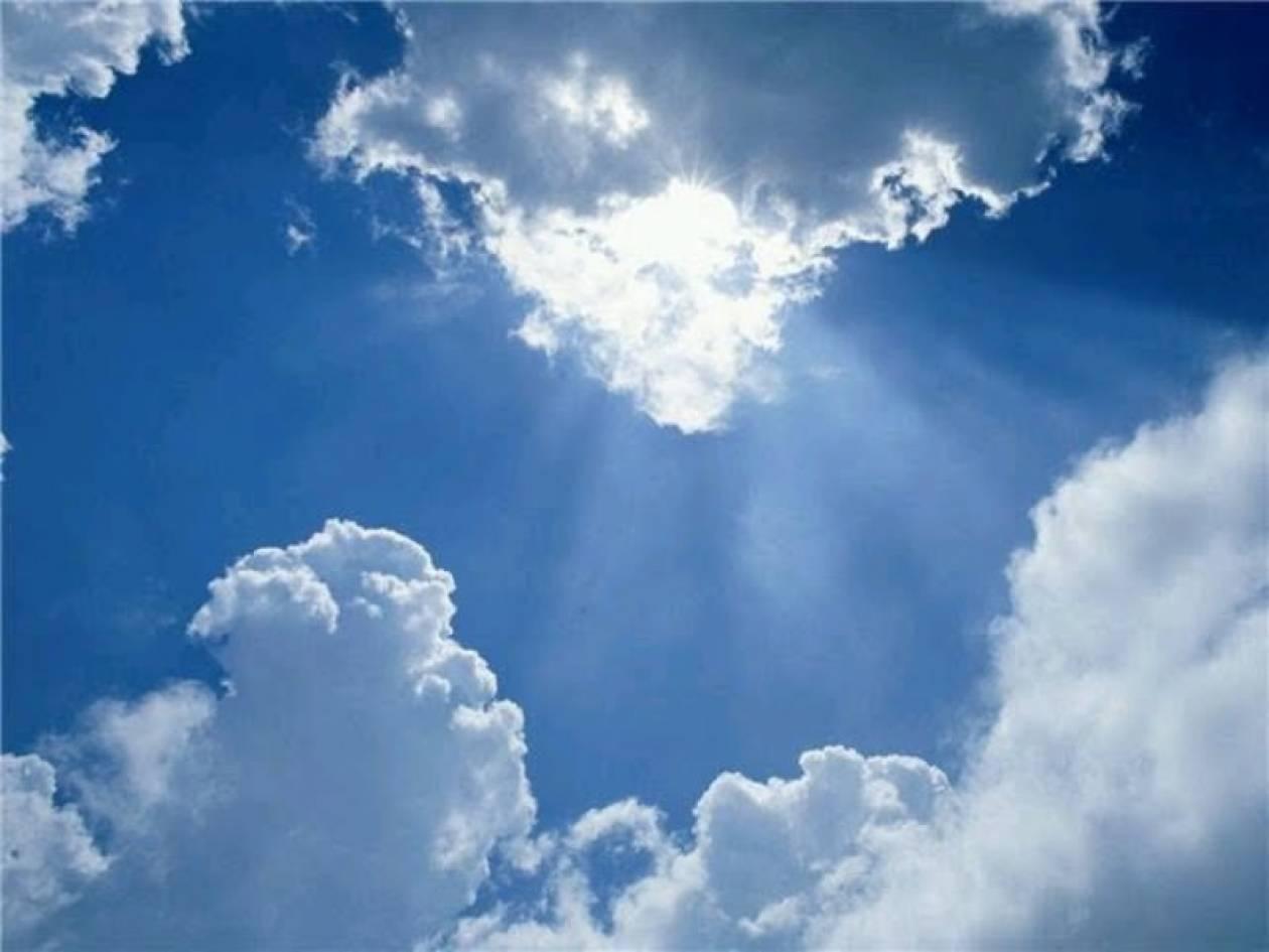 Συννεφιά με σποραδικές βροχές