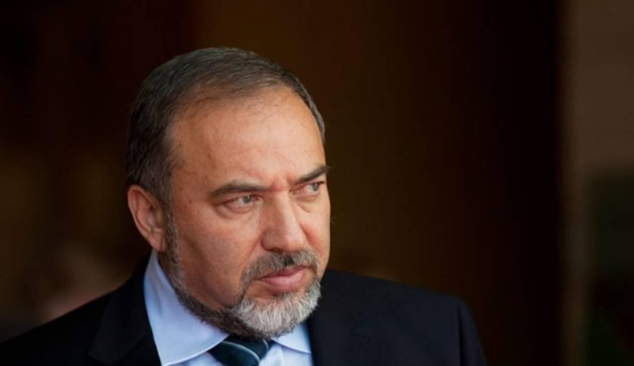 «Το Ιράν πρέπει να πληγεί με κυρώσεις που θα το παραλύσουν»