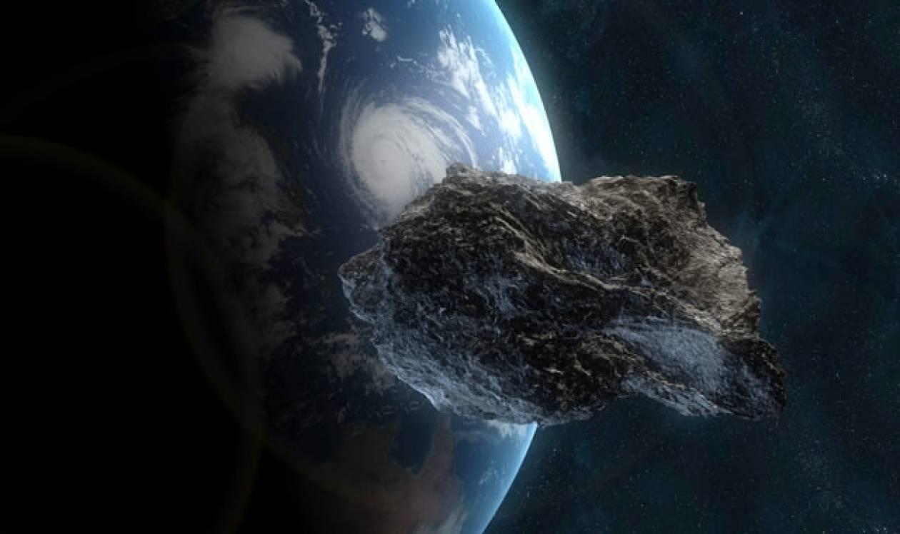 Αστεροειδής περνά πολύ κοντά από τη Γη