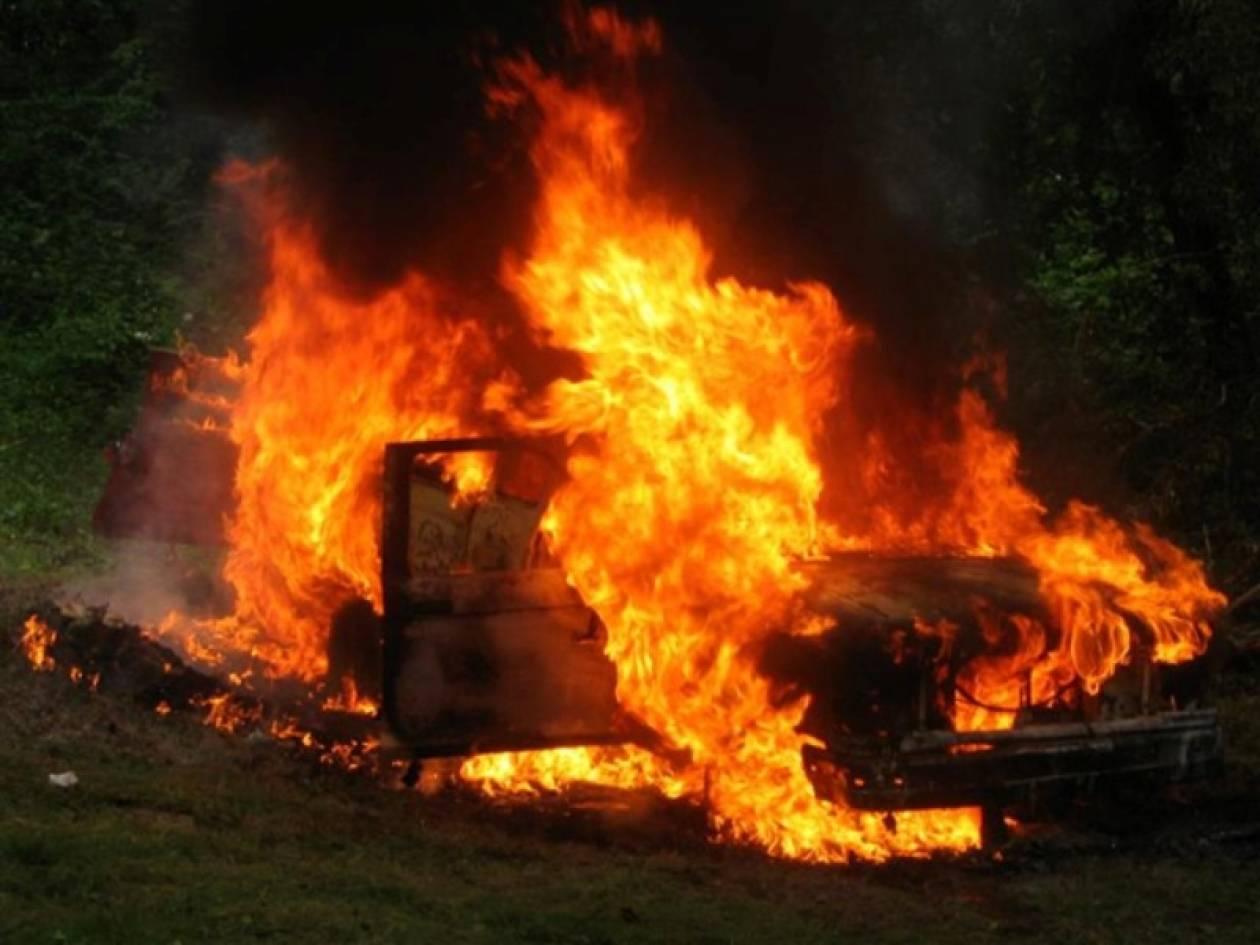 Αυτοκίνητο τυλίχτηκε στις φλόγες-Σώα η οδηγός