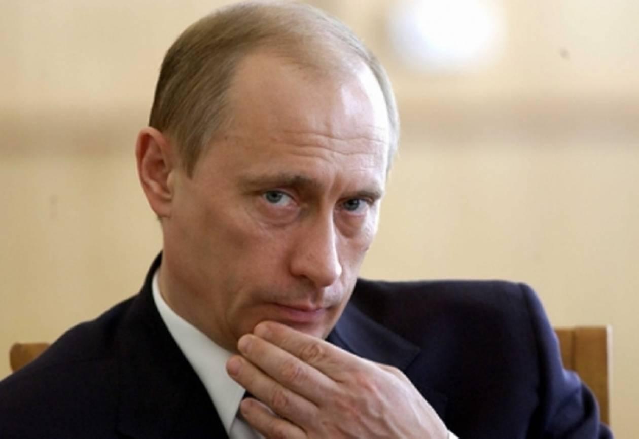 Σε χαμηλό δεκαετίας η δημοτικότητα του Πούτιν