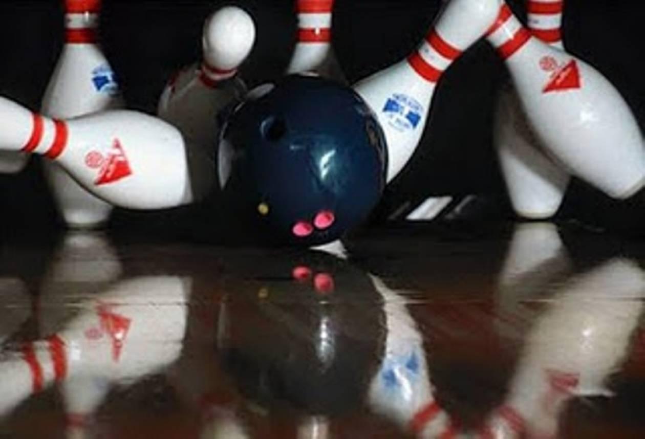 Λουκέτο στο Bowling  του Πειραιά