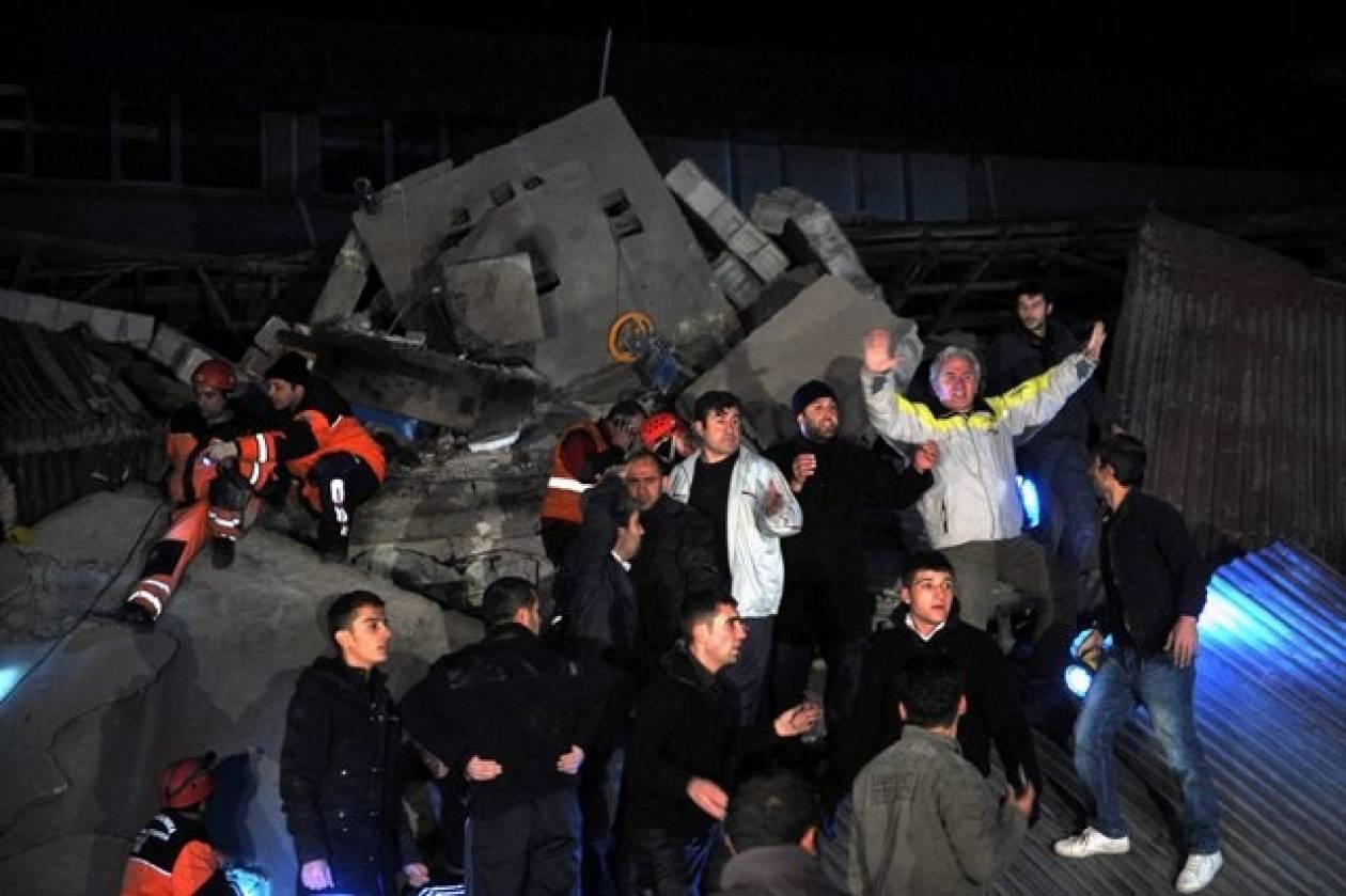 Νεκρούς αφήνουν πίσω τους τα 5,7 Ρίχτερ της Τουρκίας