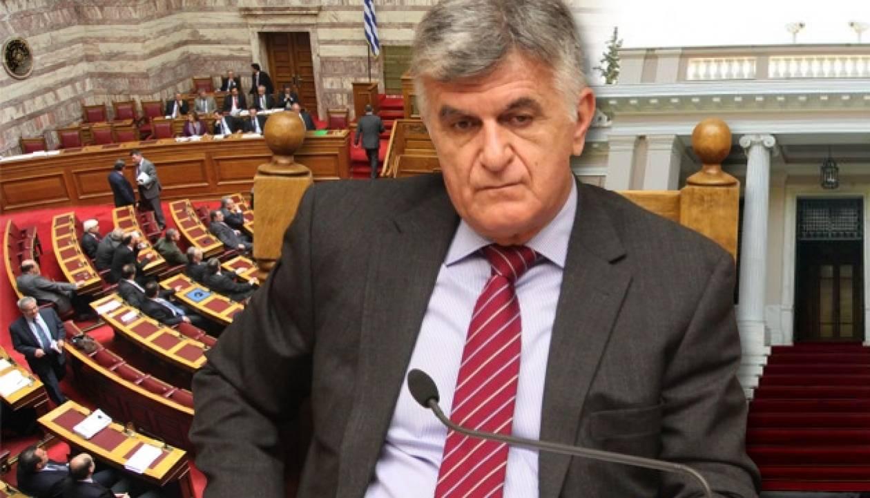 Πενήντα βουλευτές «μπλόκαραν» τον Πετσάλνικο