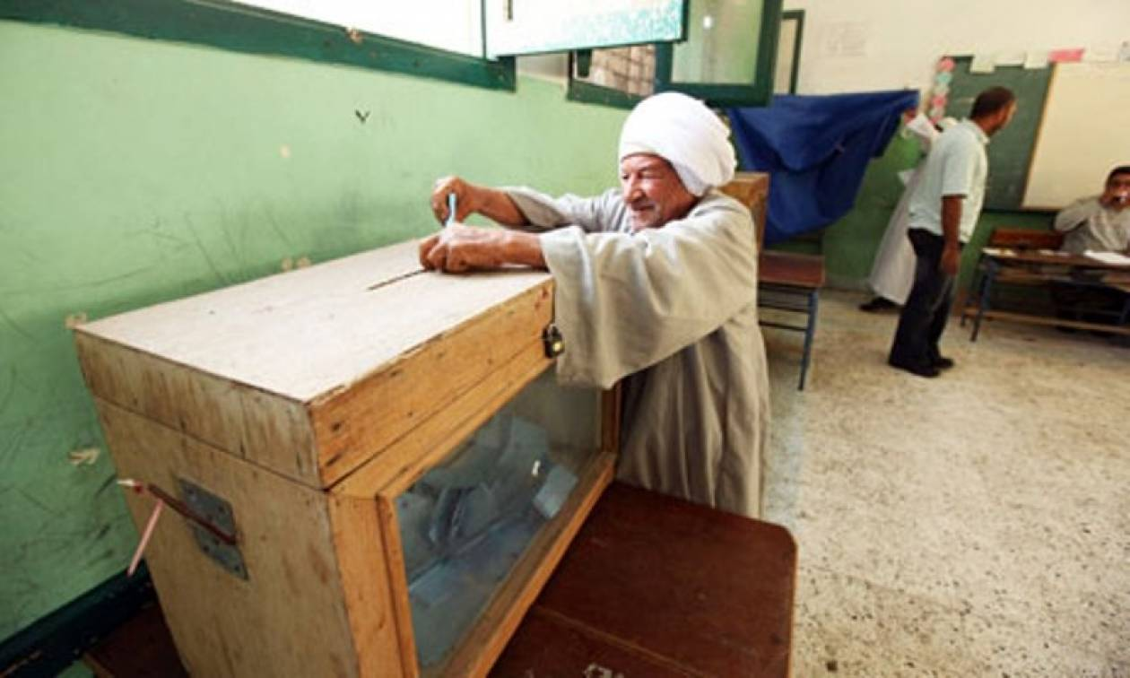 Κατηγορίες για αμφιλεγόμενη χρηματοδότηση κομμάτων στην Αίγυπτο