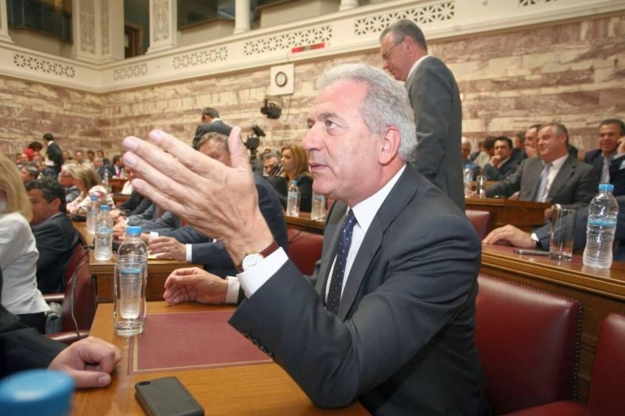 Παραιτείται ο Αβραμόπουλος για να αναλάβει υπουργός