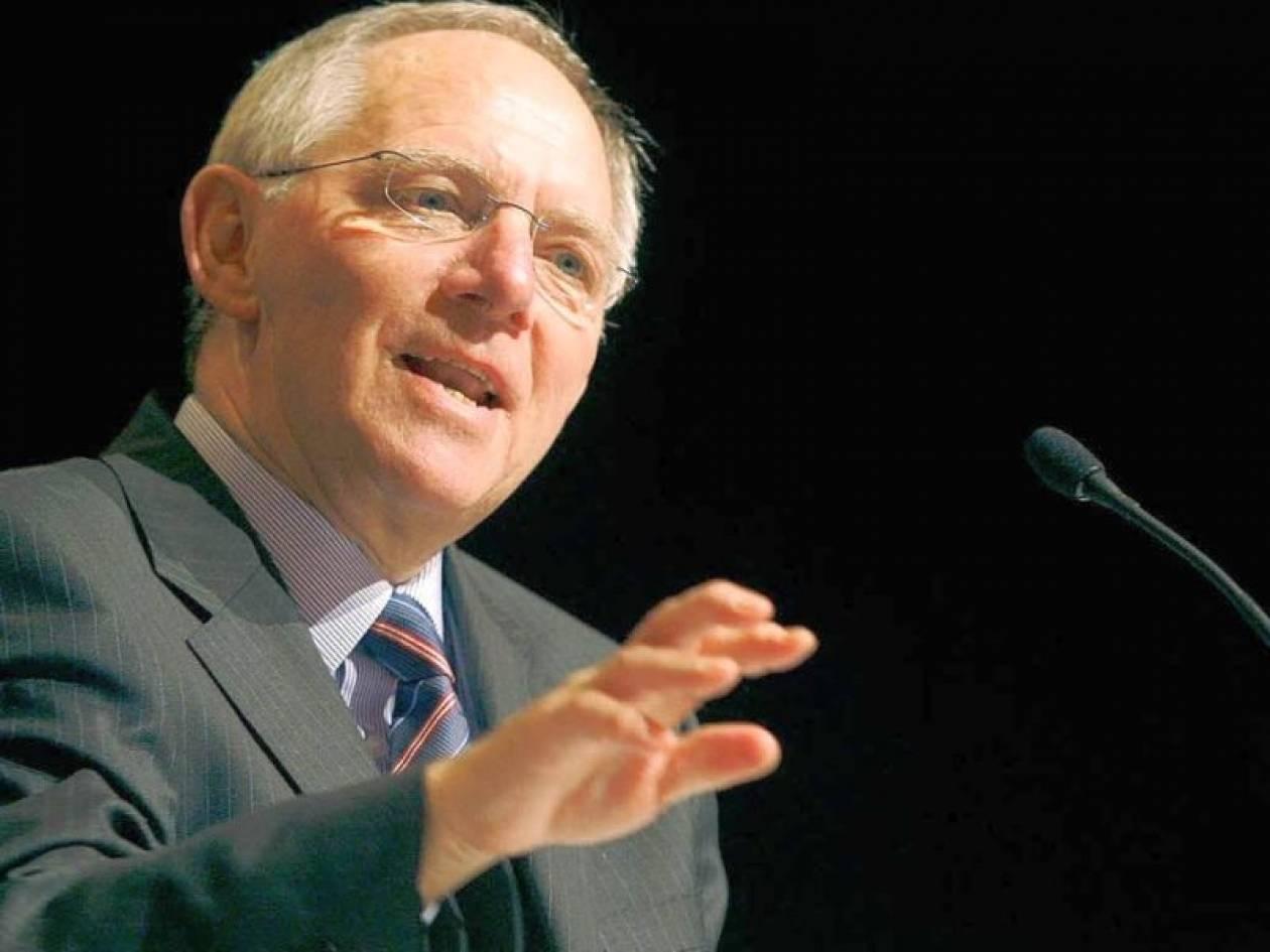 Σόιμπλε: Να τροποποιηθεί η ευρωπαϊκή συνθήκη