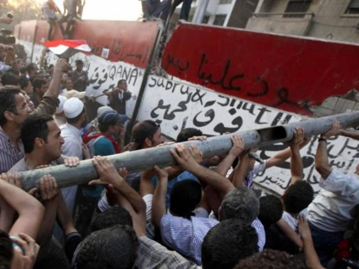 Σύροι κατέστρεψαν  την πρεσβεία της Σαουδικής Αραβίας στη Δαμασκό