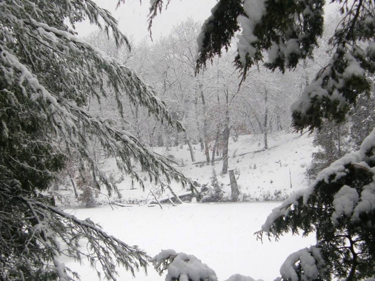 «Παγωμένη» Κυριακή με θυελλώδεις ανέμους, χιόνια και προβλήματα