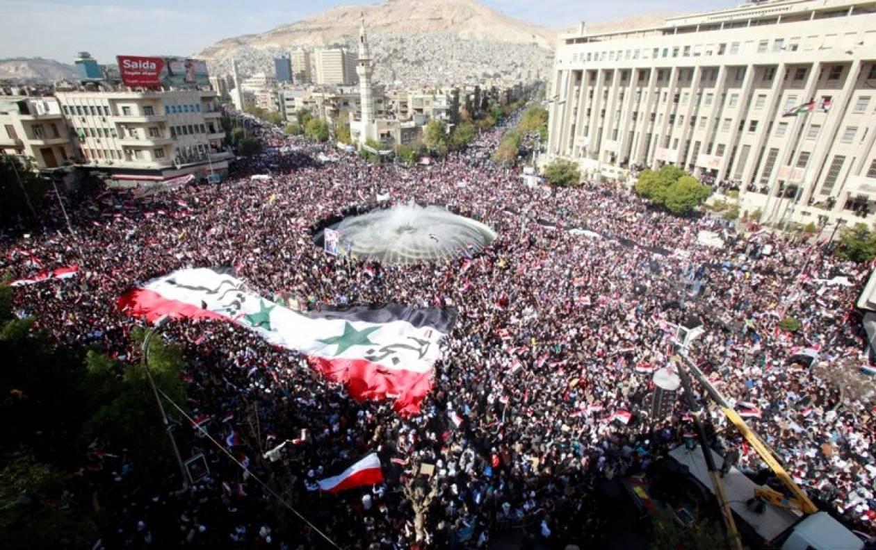 Συρία: Χιλιάδες διαδηλώνουν υπέρ του Άσαντ