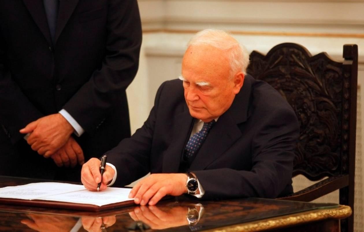 Επιστολή-κόλαφος προς τον Πρόεδρο της Δημοκρατίας