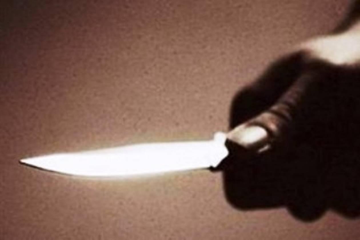 Αλβανός σε αμόκ μαχαίρωσε τέσσερις σε καφενείο!