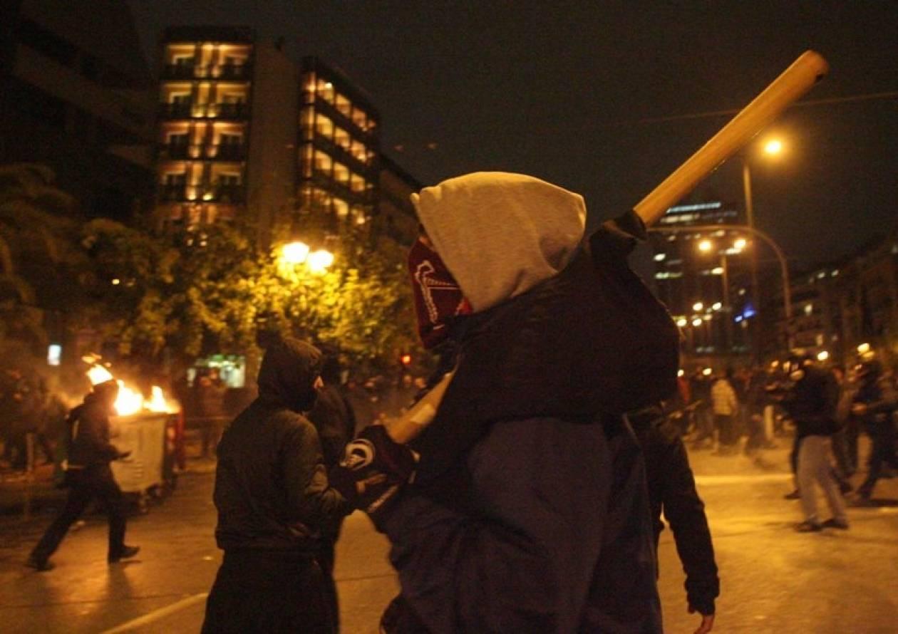Διαδηλωτής έπεσε στο κενό να μη συλληφθεί-Ανακοίνωση της ΕΛ.ΑΣ.