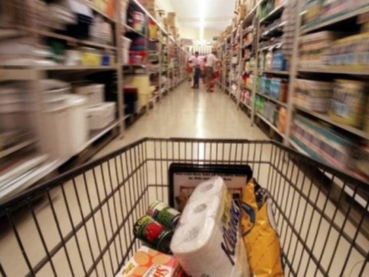 «Σήκωσαν» κατάστημα τροφίμων στο Λουτράκι Κορινθίας