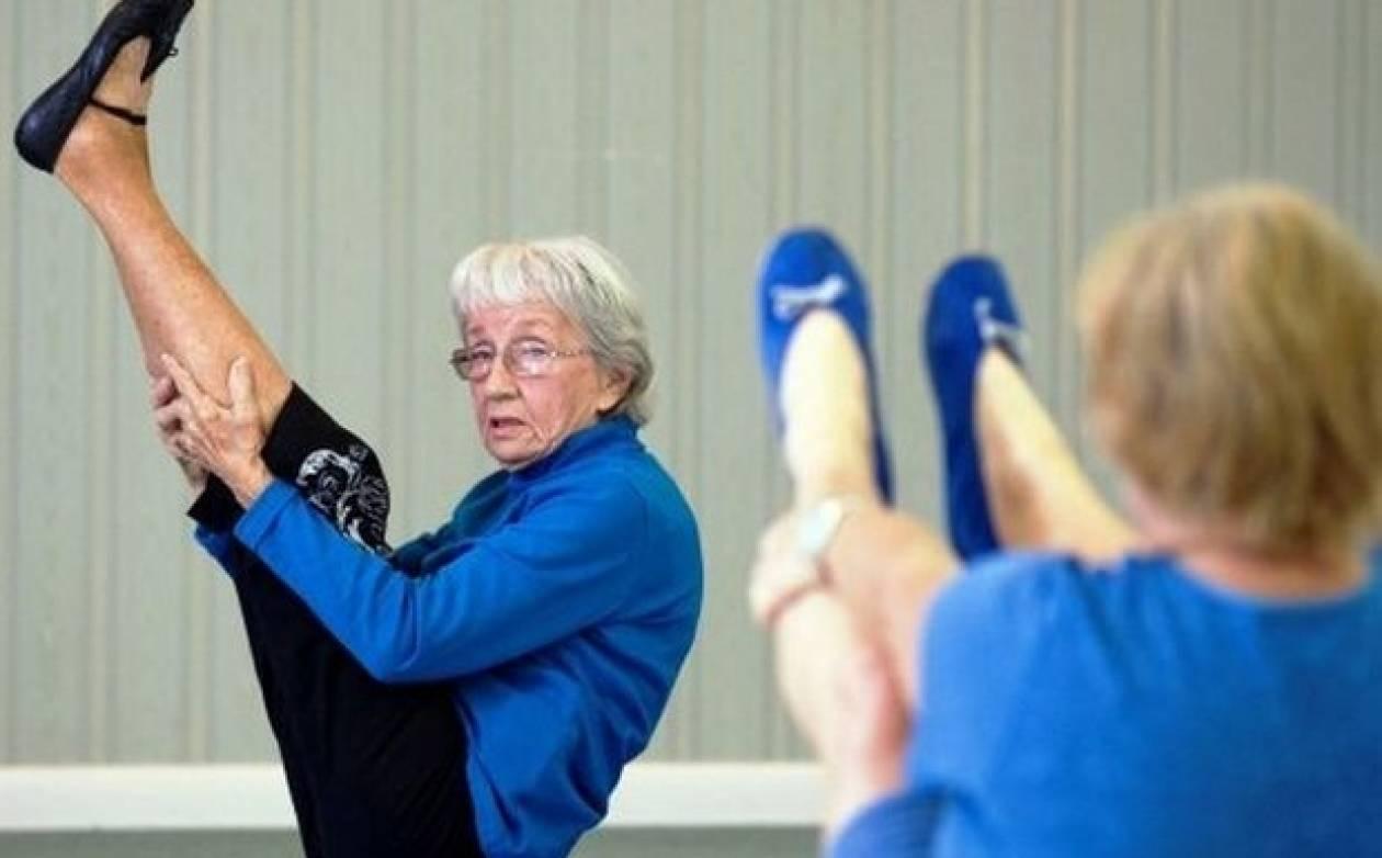 Δασκάλα γιόγκα, ετών 91