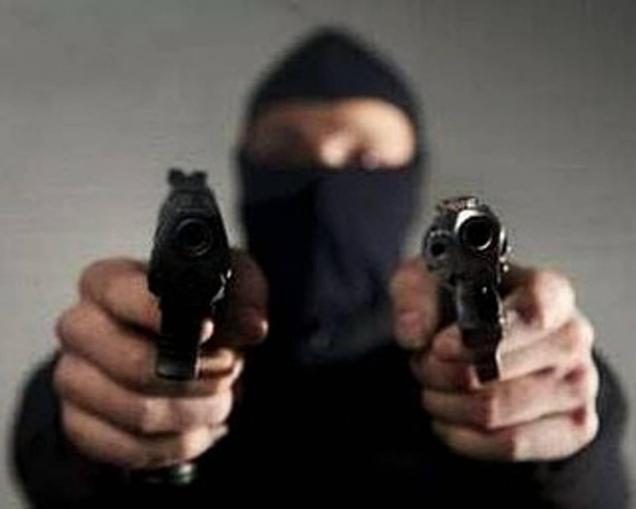 Χειροπέδες σε νονό της νύχτας για απόπειρα δολοφονίας