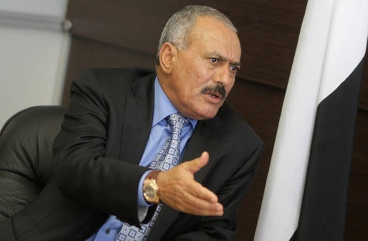 Ο Σάλεχ υπέγραψε τη μεταβίβαση της εξουσίας στην Υεμένη