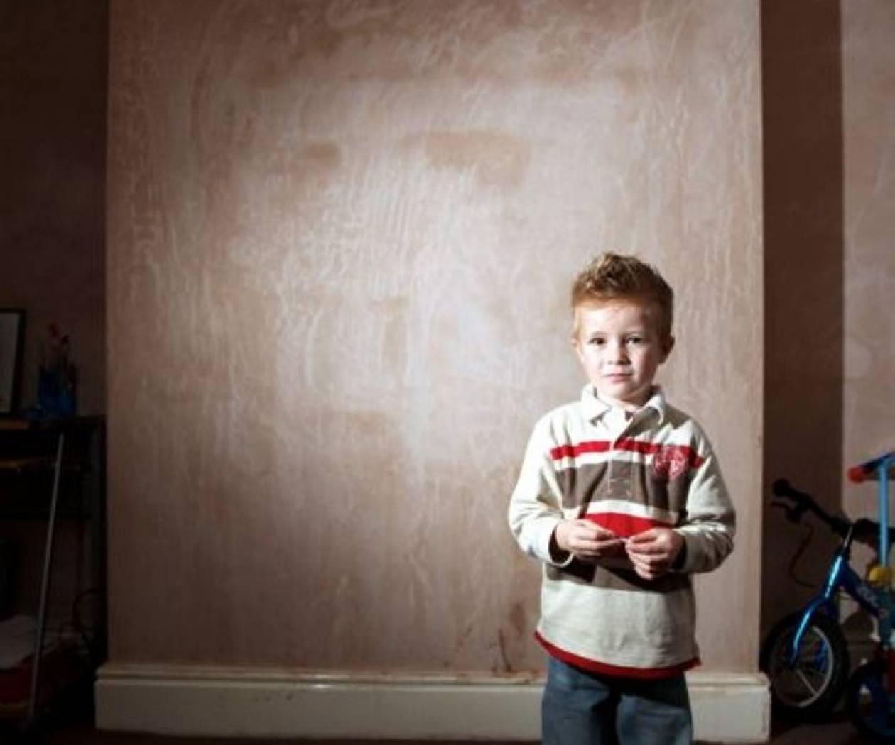 Ο «άνδρας με το γκρι δέρμα» στοιχειώνει 5χρονο αγόρι