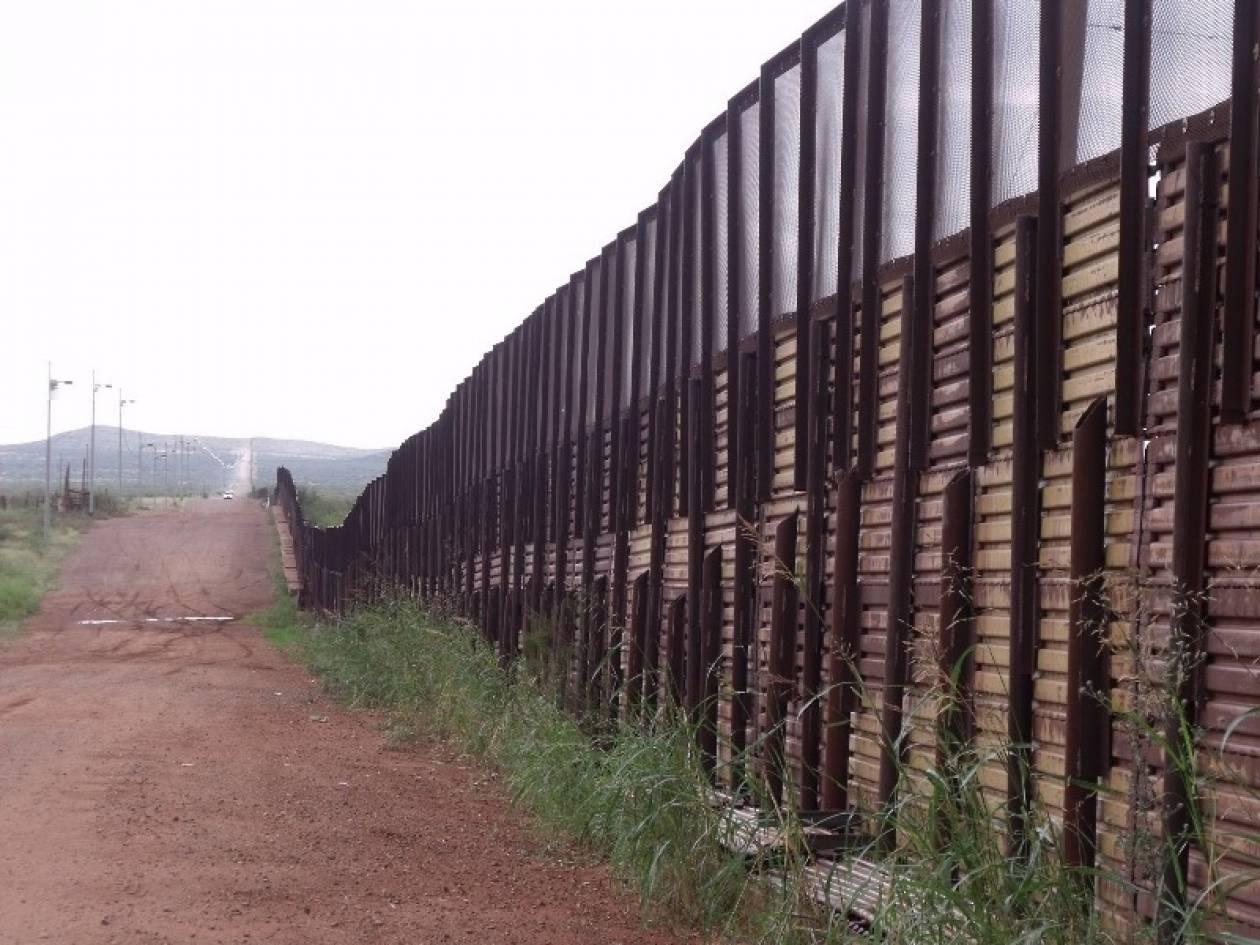 Θέλουν να χτίσουν φράχτη στα σύνορα Αριζόνας-Μεξικού