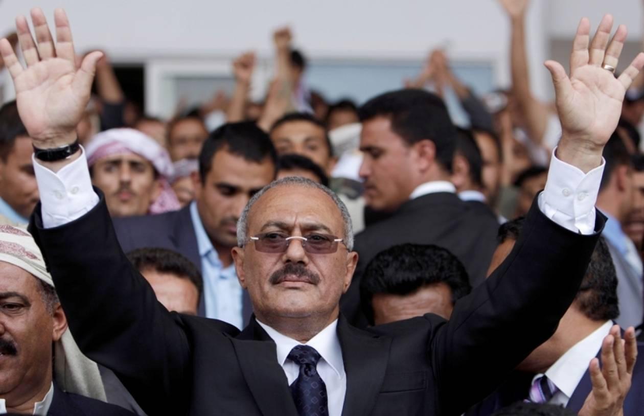 Ο παραιτηθείς Σάλεχ καταδικάζει τις δολοφονίες διαδηλωτών
