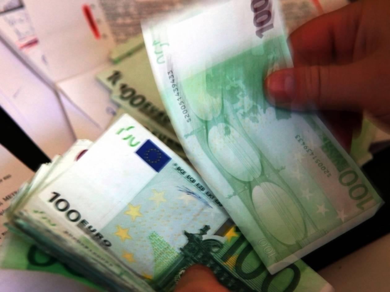 Ανησυχία στην ευρωζώνη από την υποχώρηση του ευρώ
