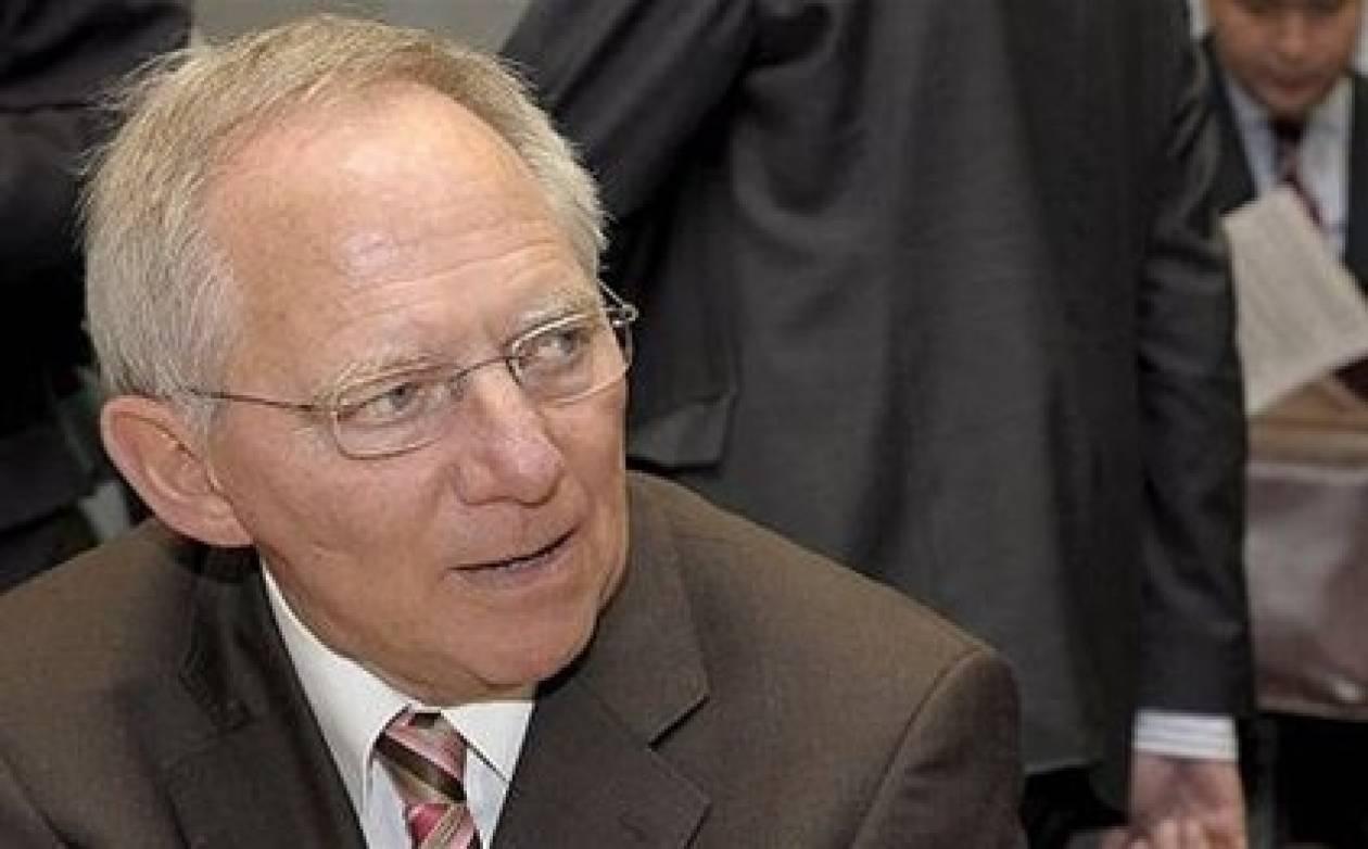 Σόιμπλε: Το Eurogroup θα αποφασίσει για την έκτη δόση