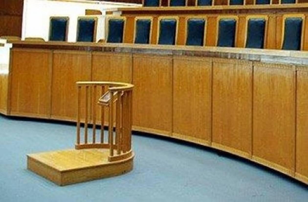 Δυναμικές κινητοποιήσεις από τους δικαστικούς υπαλλήλους