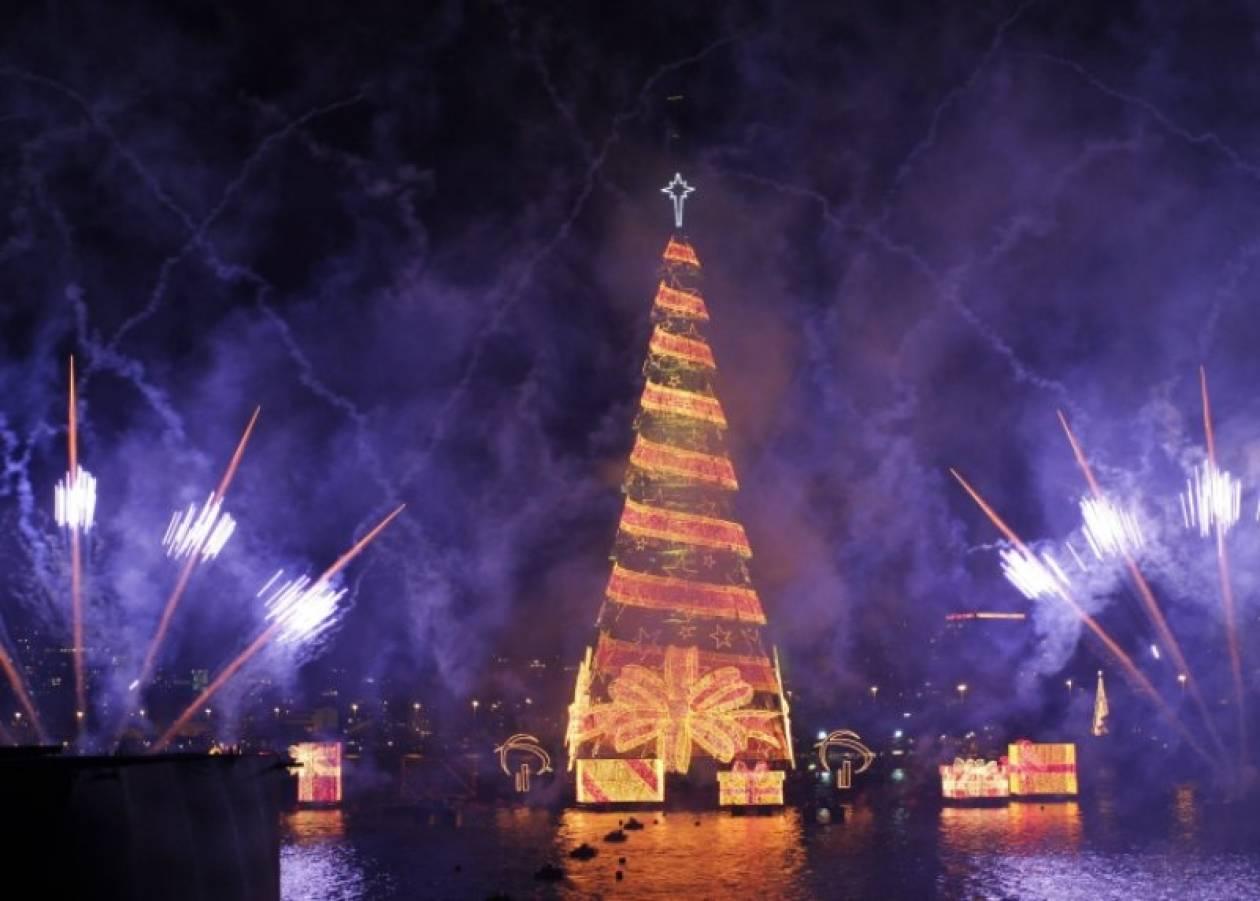Χριστουγεννιάτικο δέντρο – υπερπαραγωγή στη Βραζιλία