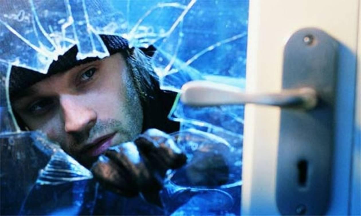 Εισβολή σε διαμέρισμα στα Βριλήσσια