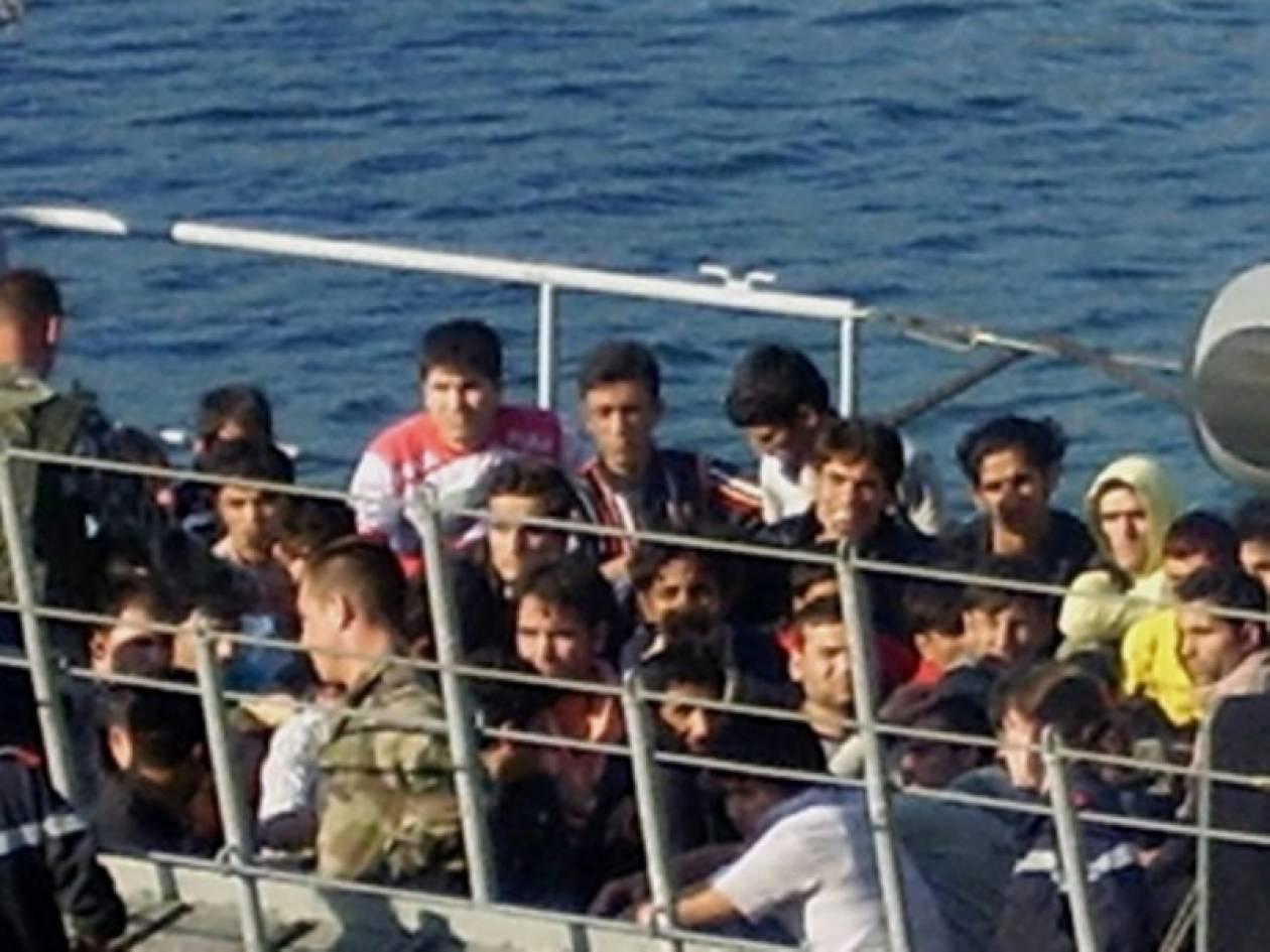 Πλοιάριο με λαθρομετανάστες στη Σάμο
