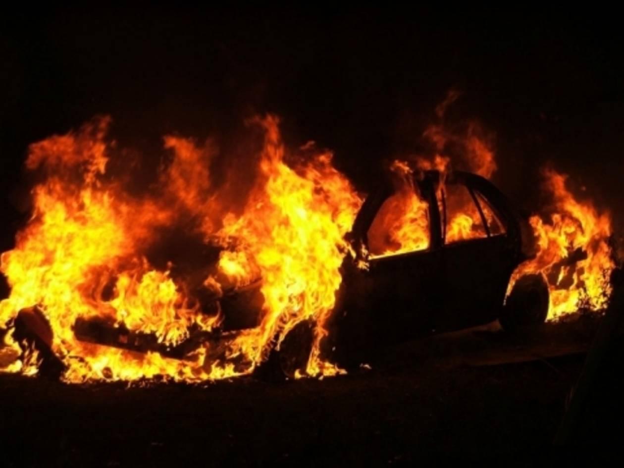 Λάρισα: Στις φλόγες αυτοκίνητο