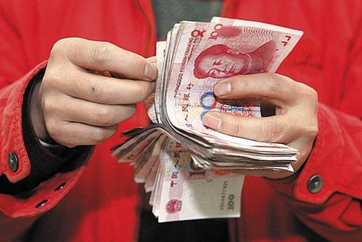 «Χαλαρώνει» νομισματικά και η Κίνα