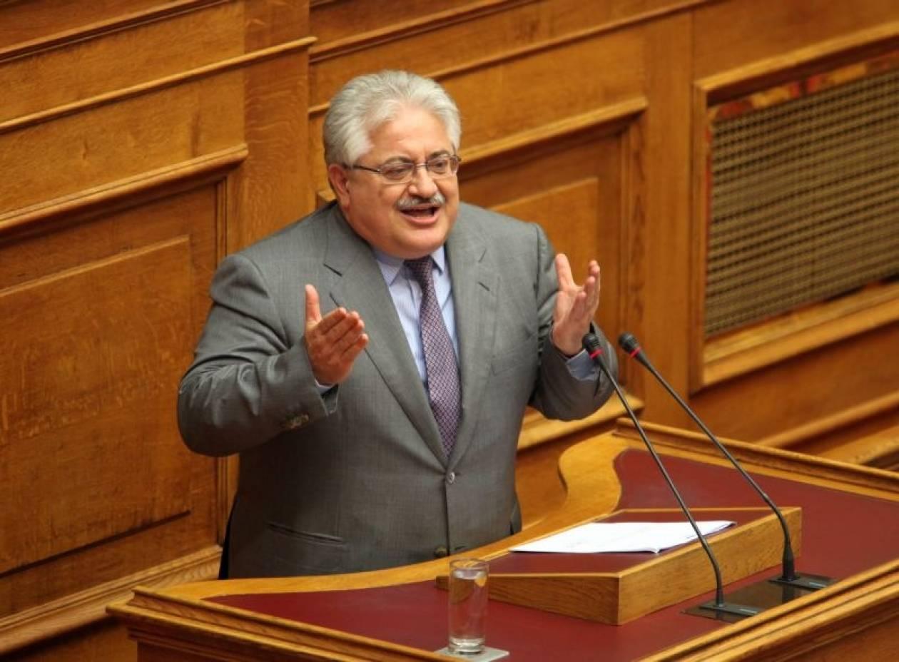 Αναπληρωτής υπουργός Παιδείας ο Κ. Τζαβάρας