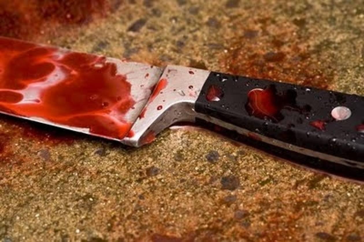 ΣΟΚ: Τον μαχαίρωσε επειδή δε του σέρβιρε ποτό (vid)