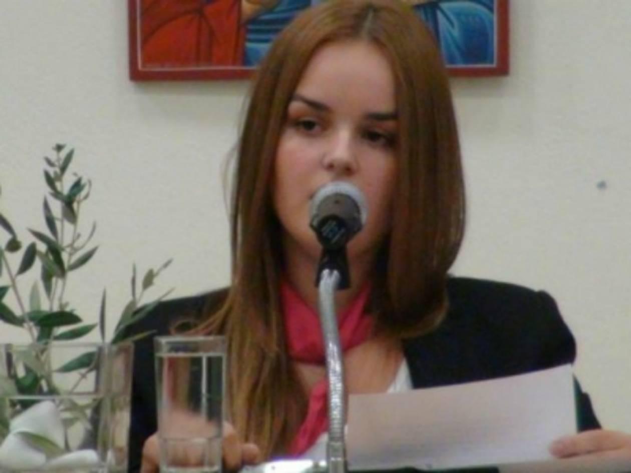 Βίντεο: Mαθήτρια αφήνει άφωνο το κοινό Ελληνο-Γερμανικού συνεδρίου