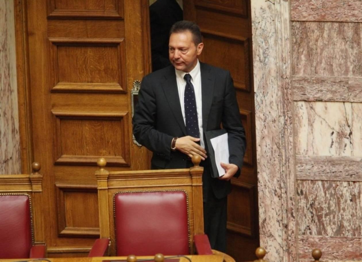 Αναβλήθηκε η συζήτηση στη Βουλή λόγω ασθένειας του Γ. Στουρνάρα