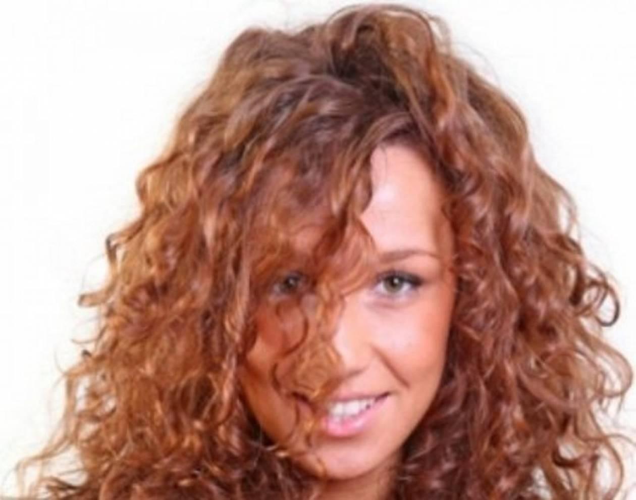 Πώς να αποφύγετε το φριζάρισμα των μαλλιών