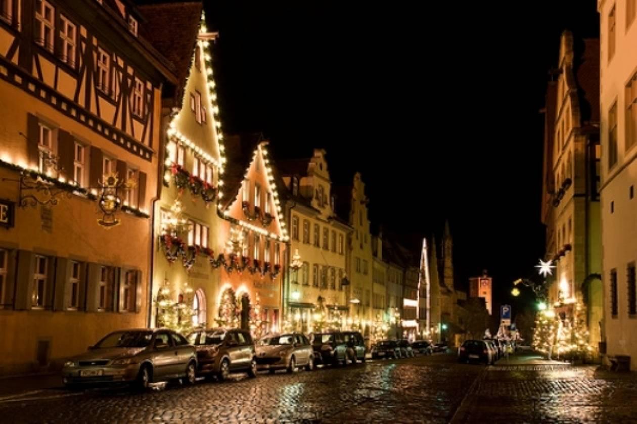 Δείτε τη μοναδική πόλη που τα Χριστούγεννα δεν τελειώνουν ποτέ(pics)