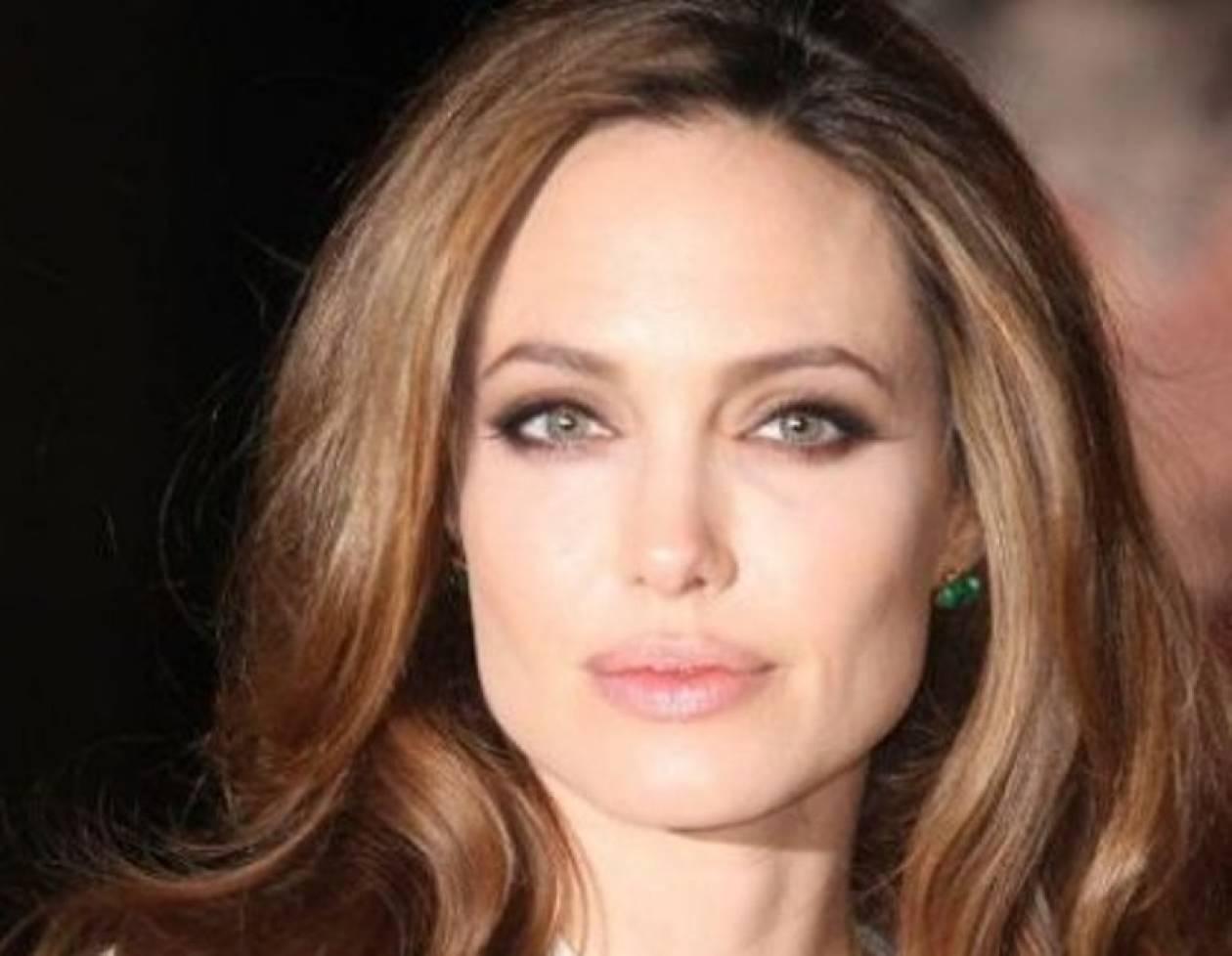 Angelina Jolie: Αφήνει την υποκριτική για να γίνει παραδοσιακή μάνα;