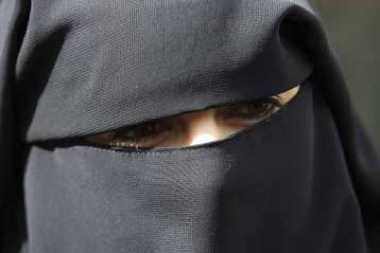 Μουσουλμάνα Θράκης: Προσπαθούν να μας επιβάλλουν τουρκική ταυτότητα