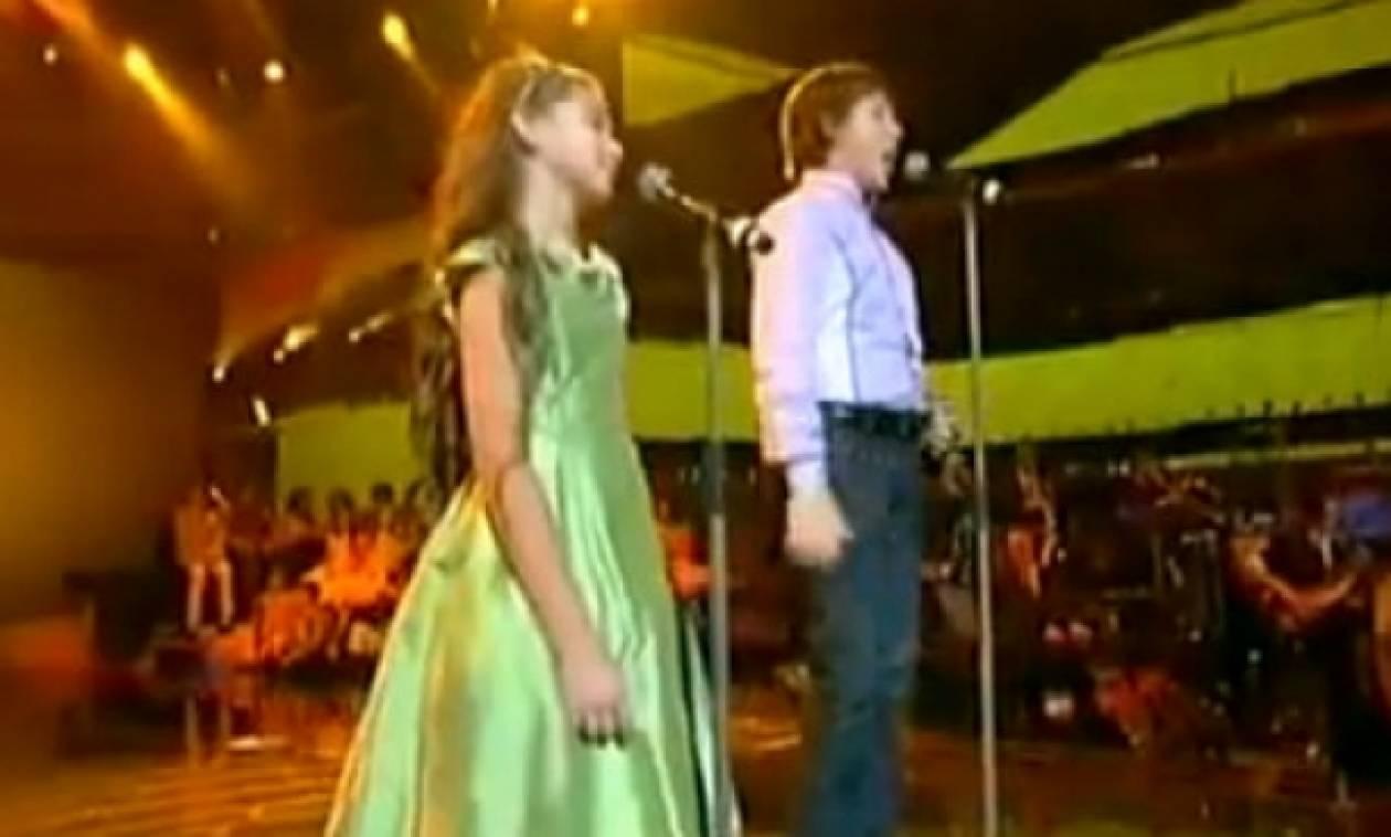Απίστευτος πιτσιρικάς τραγουδάει σαν τον Αντρέα Μποτσέλι