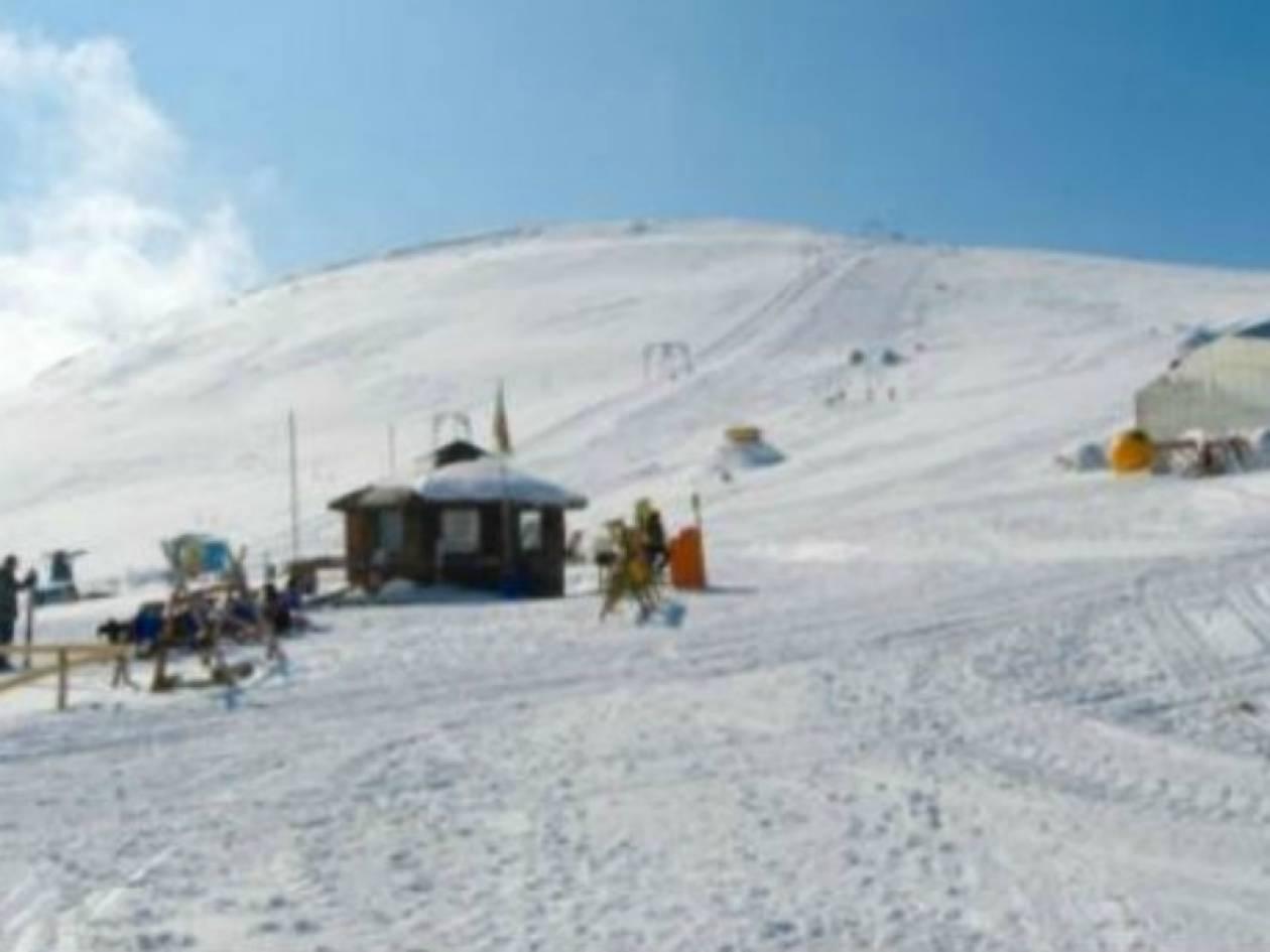 ΔΕΙΤΕ: Στα λευκά τα χιονοδρομικά κέντρα της χώρας!