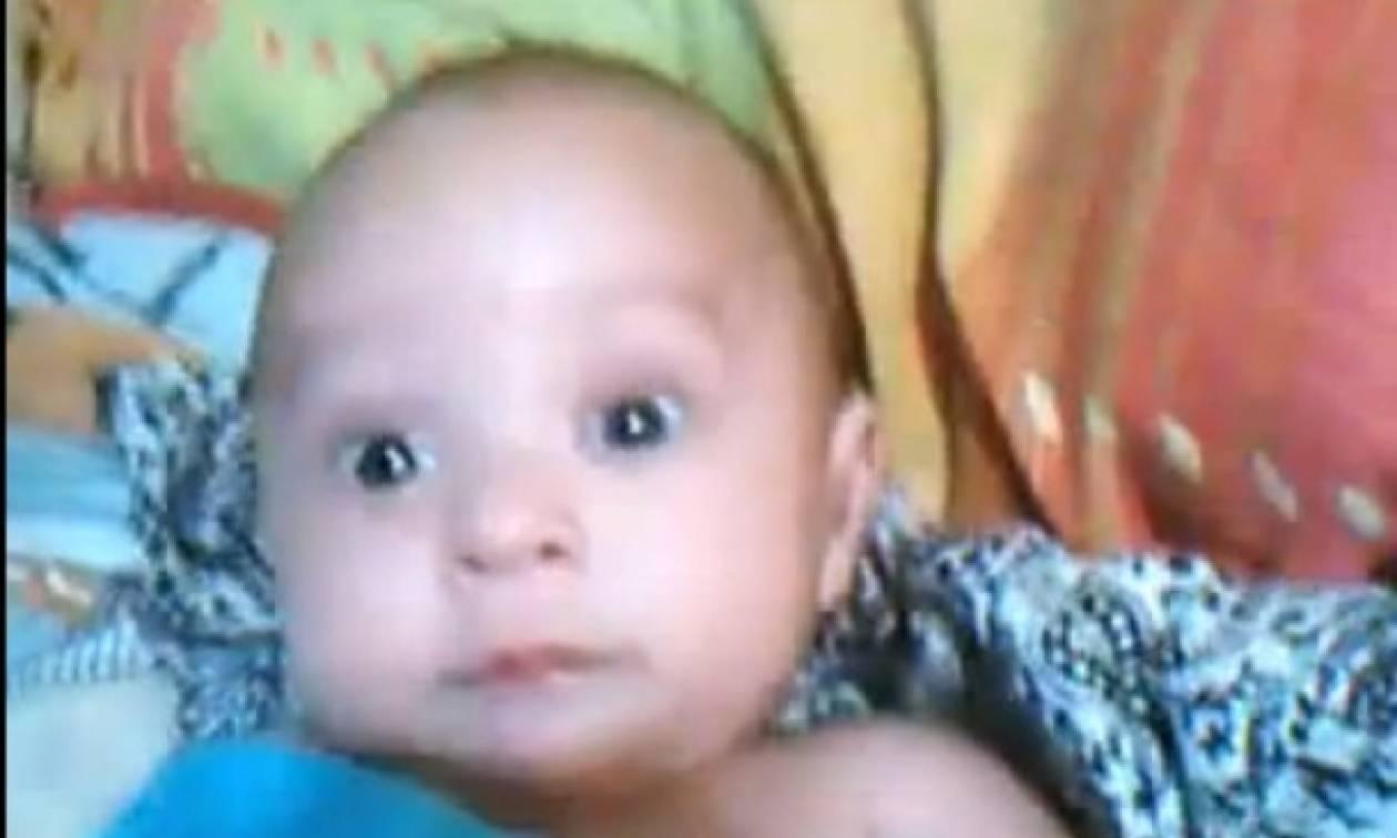 Η πιο αστεία τρομαγμένη φατσούλα μωρού στο διαδίκτυο!