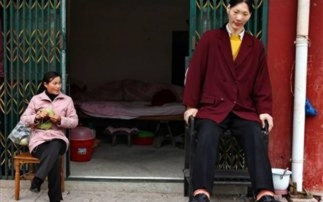 Πέθανε η ψηλότερη γυναίκα στον κόσμο